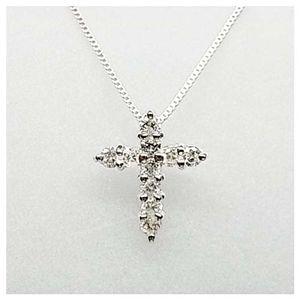K18ダイヤモンドクロスペンダント ホワイトゴールドの写真1