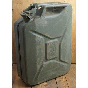スウェーデン軍放出 ガソリン缶 EE076UN  20リッター 【中古】 - 拡大画像