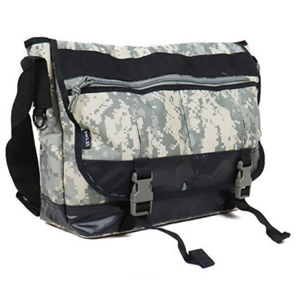 アメリカ軍 メッセンジャーバッグ/鞄  20 L  ポリエステルキャンバス地/ラバー 防水加工 B S124YN ACU  レプリカ