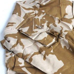 イギリス軍 放出 デザートDP Mシャツ J S032NN 96( M〜 L)サイズ 【 デッドストック 】 【 未使用 】3