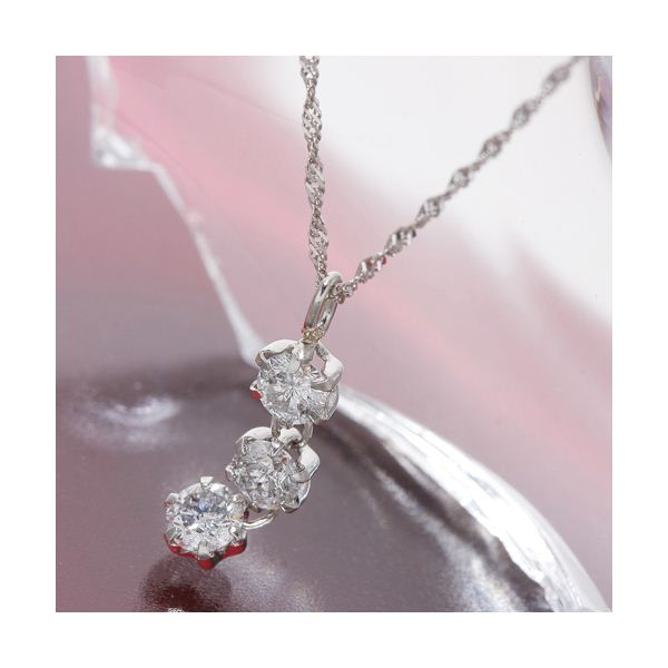 オールプラチナスリーストーンダイヤモンドペンダント/ネックレス