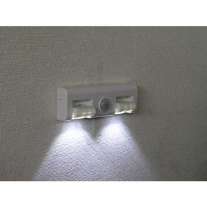 LEDどこでもセンサーライト 3個セットの商品画像