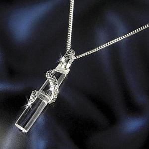白蛇ダイヤモンド水晶ペンダント - 拡大画像
