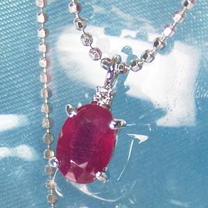 《地球遺産シリーズ》シルバー1.0ctup ルビーダイヤモンド入りネックレスの写真3
