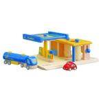 ★PLAN TOYSの木製玩具★6013★ ガソリンスタンド