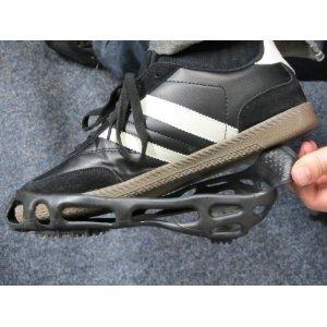 スノースパイクシューズ/アイゼン 【Lサイズ 27.0cm〜29.0cm】 携帯ケース付き 合成ゴム 鋲 スチール 革靴・運動靴・長靴対応