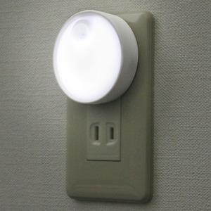 ELPA(エルパ) LEDセンサー付ライト コンセント差込タイプ PM-LA301(W)
