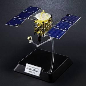 大人の超合金 小惑星探査機はやぶさ - 拡大画像