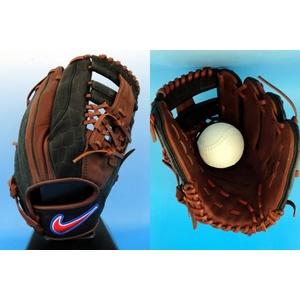 一般軟式グローブ ナイキ『SIGNATURE MODEL 』 内野手用(サイズ11.50) 岩村モデル チョコレート×ブラック bf1268-200 右投げ用