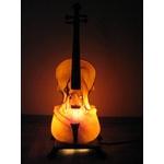 暖かな光のバイオリンランプ