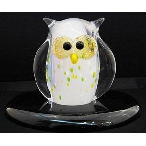幸福をもたらすクリスタルガラスのフクロウ