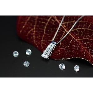 1.0ctダイヤモンド多石 鑑定書付ネックレス JK15928
