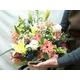 母の日の贈り物 生花 フラワーアレンジ 5000円相当 写真2