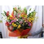 季節の花束を心をこめて・・10000円相当