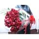 【母の日限定ギフト】赤バラ花束60本 迫力の大きさとボリューム 写真2