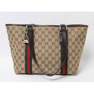 outlet store 4d56a dde63 送料無料】GUCCI(グッチ) GGキャンバス トートバッグ チャーム ...