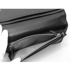 【美品 現品限り】 CHANEL [シャネル] 2つ折長財布 チェーンロゴ 黒 ブラック【中古AB】の商品写真-4