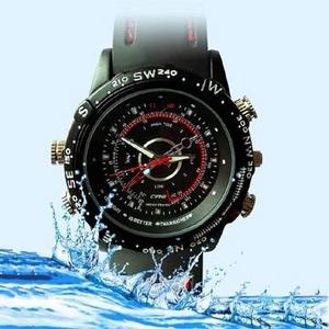 <小型カメラ>30m防水仕様 腕時計型ビデオカメラ