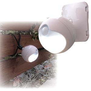 防雨LEDセンサーライト モード切替/単3乾電池式 連続点灯約70時間 (玄関/屋内/室外) - 拡大画像