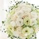 Royal Wedding ホワイト・ローズ 「ロザリウム・宮崎惠美子さん」のラウンドブーケ (25ansウエディング掲載商品) ブートニア付 - 縮小画像2
