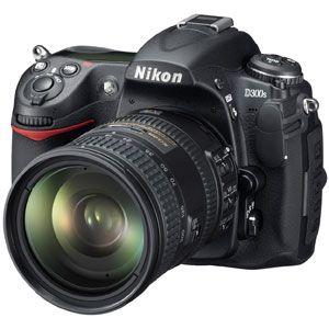 Nikon(ニコン) デジタル一眼レフカメラ D300S (AF-S DX 18-200 VR レンズキット) D300SLK18200
