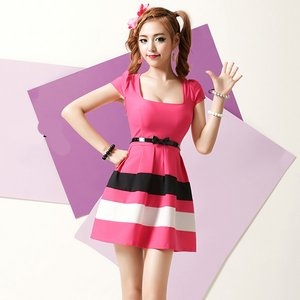 ピンクドレス☆ブラック&ホワイトボーダーMサイズ
