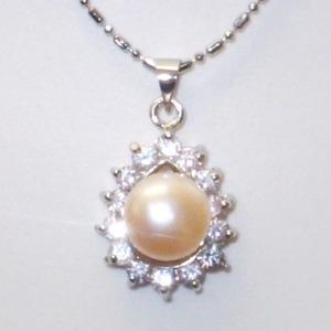 大粒(10mmアップ)淡水真珠(淡水パール)ペンダント   6月誕生石/オレンジ