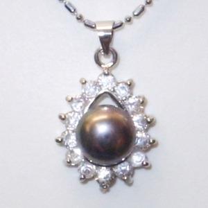 大粒(10mmアップ)淡水真珠(淡水パール)ペンダント   6月誕生石/ブラック