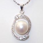 大粒(10mmアップ)淡水真珠(淡水パール)×キュービックジルコニア(CZ)ペンダント    6月誕生石/ホワイト