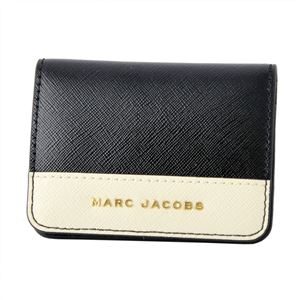 MARC JACOBS (マークジェイコブス) M0013709-190 Black/Cloud White(ブラック/オフホワイト) サフィアノ メタル レター パスケース カードケース Saffiano Metal Letters Train Pass Case