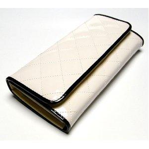 エナメル調キルティングふた付長財布/ホワイト