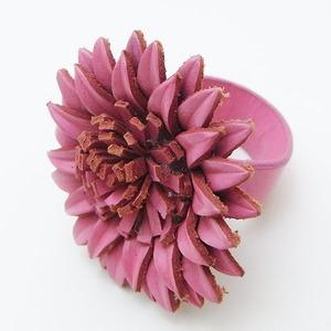 オールレザー マーガレットモチーフリング(ピンク) h01