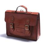 通勤や通学に。学生カバンのようなクラッシックなハンドバッグ/タン