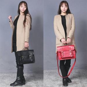 通勤や通学に。学生カバンのようなクラッシックなハンドバッグ/ブラック h02