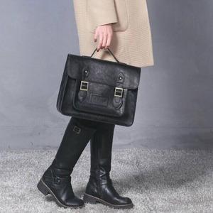 通勤や通学に。学生カバンのようなクラッシックなハンドバッグ/ブラック f04