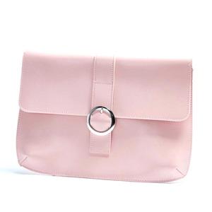 ベルトバックルがポイントスタイリッシュな薄型クラッチバッグ/ピンク