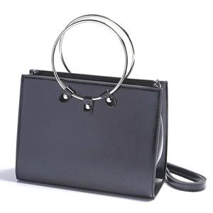 マチが広い♪リングが持ち手の2Wayハンドバッグ/ブラック h01