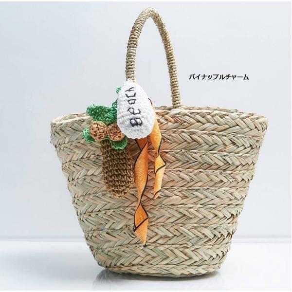 夏大活躍!カゴ素材カラフルな大きめチャーム付ハンドバッグ/パイナップルf00