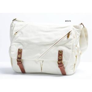 ナチュラルテイスト♪ポケットいっぱいのくったりショルダーバッグ/ホワイト h01