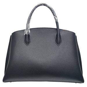 パカッと開く仕切がついたA4サイズもすっぽり入る大きめハンドバッグ/ブラック h01