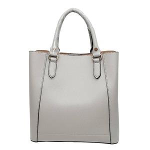 仕切ポケットがついたマチが広い柔らか素材の2Wayハンドバッグ/グレイ h01
