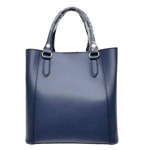 仕切ポケットがついたマチが広い柔らか素材の2Wayハンドバッグ/ネイビー h01