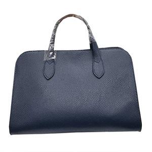 人気デザインを改良した仕切付上品仕上げのハンドバッグS/ネイビー h01
