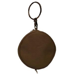 リングが持ち手の丸いショルダーバッグにもなるハンドバッグ/ブラウン h01