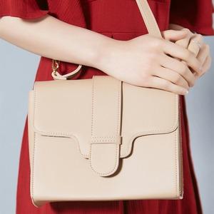 同素材の留め具がポイント♪クラシカルなシンプルハンドバッグ/グレイ f04