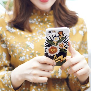 MrH(ミスターエイチ)スマホスキニーケース/オリエンタルポップビューティー(ゴールド) フラワーワッペン ByGalaxyS8plus