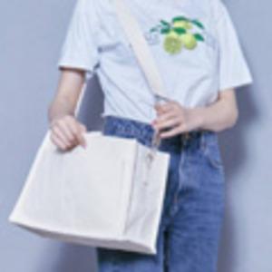 使いやすいアイボリーのシンプルトートバッグの紹介画像3