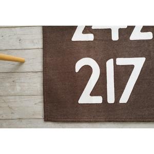 手洗いできる シェニールプリントラグ バスサイン 185×185cm ブラウン
