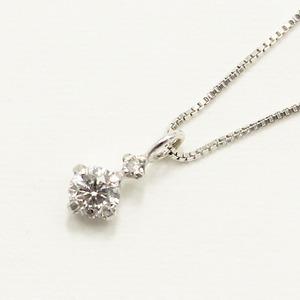 【鑑別書付】 18金ホワイトゴールド 天然 ダイヤモンド ツインデザイン ペンダント - 拡大画像