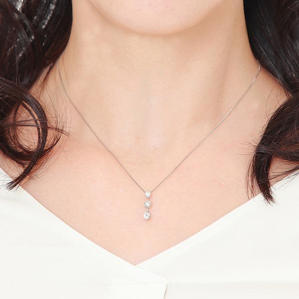 一粒ダイヤモンドのネックレス
